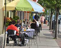 TraverseCity-outdoor-cafe-212x167