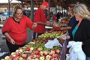 Detroit-Eastern-Market-Farmers-Market-Sept-2013-by-Matt-(7)