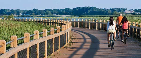 waterfront-biking-Grand-Haven-600x250