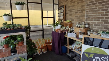 Ypsiplanti offers an amazing array of garden tools, seeds, books, houseplants, compost, and similar products in a tiny footprint.