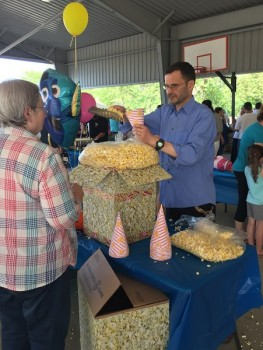 The owner of Vassar Theatre gave out free popcorn during the event.
